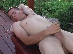 Horny Man Masturbates Outdoors & Enjoys Coming On His Hand daddy gay porn