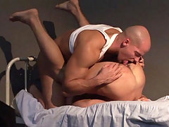 Officer waking up a prisoner to have some good sex with! daddy gay porn