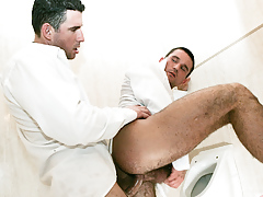 Student buddies Tim Black and Wattle Stevans fuck in a bath daddy gay porn